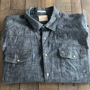 🍀 Lucky Brand Classic Fit denim button down shirt